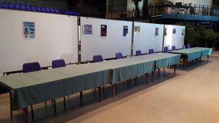 Intérieur du Forum avec la mise en place